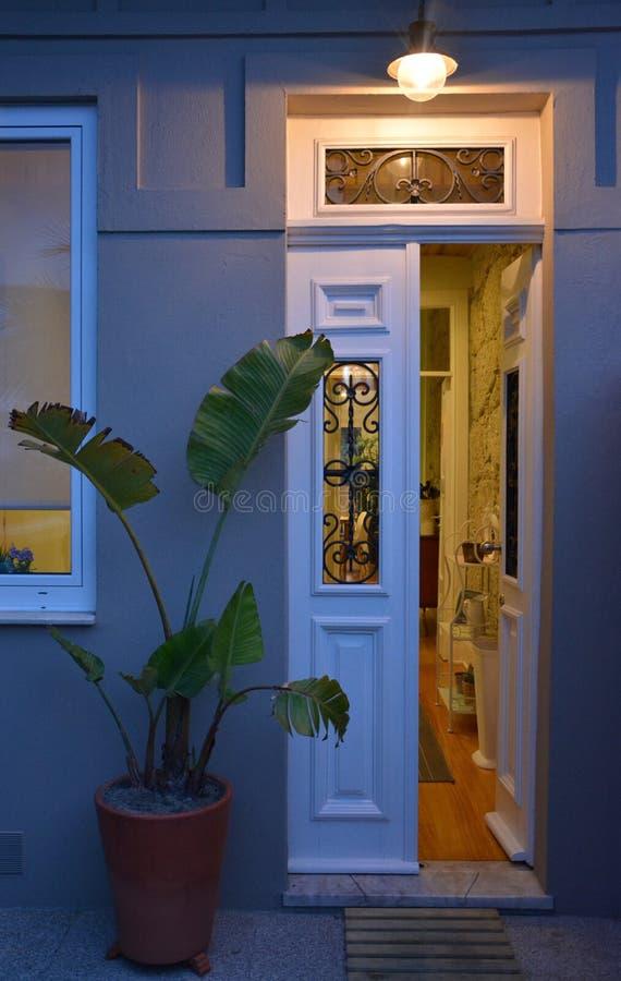 房子的门 免版税库存图片