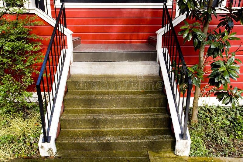 房子红色台阶 库存图片