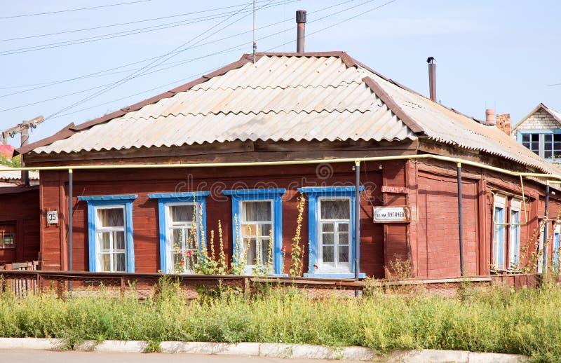 房子老俄国uralsk 免版税图库摄影