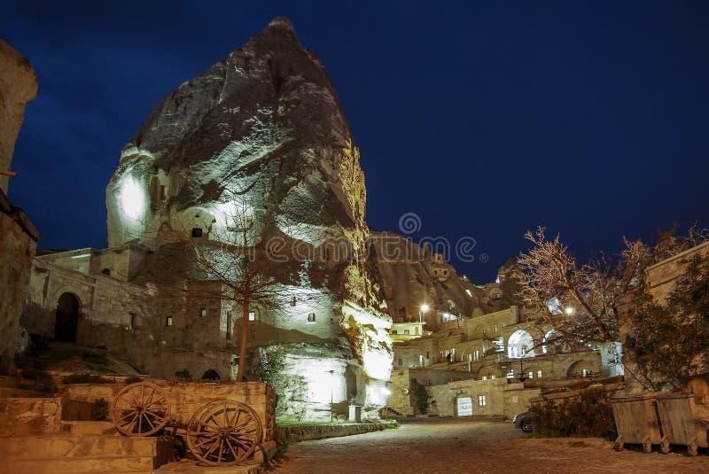房子顶视图山的 城市克里姆林宫横向晚上被反射的河 火鸡 cappadocia 库存照片