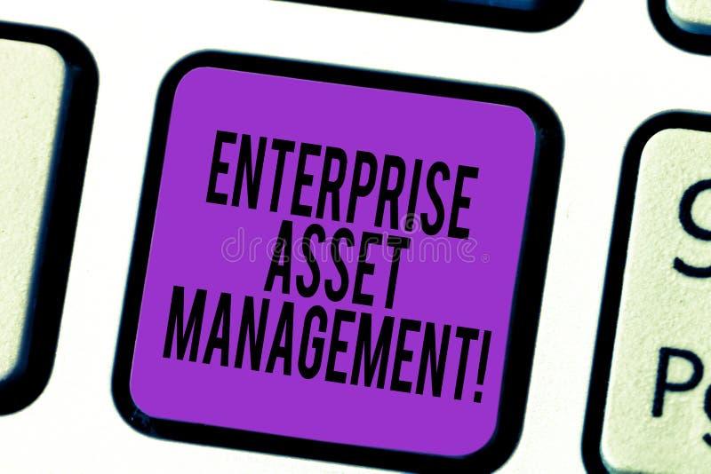 手写文本企业财产管理 analysisaging实物资产键盘的生命周期概念意思 免版税图库摄影