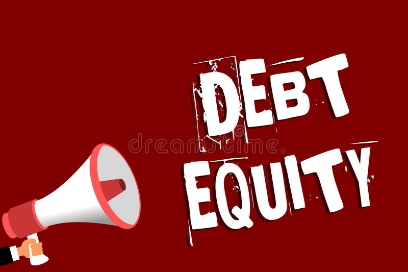 手写文本债务产权 划分公司负债总额的概念意思由它的股东供以人员拿着扩音机loudsp 皇族释放例证