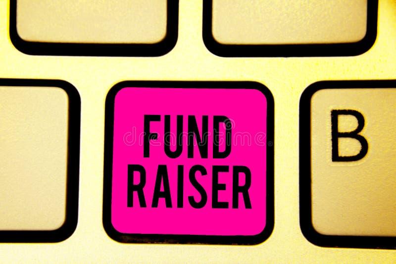 手写文本募捐人 概念工作或任务是寻求财政支持慈善键盘桃红色钥匙Int的意思人 皇族释放例证