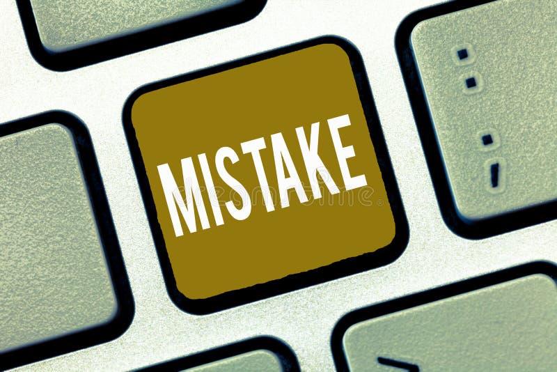 手写文本差错 概念意思某事不正确缺乏准确性错误不正确失败 库存照片