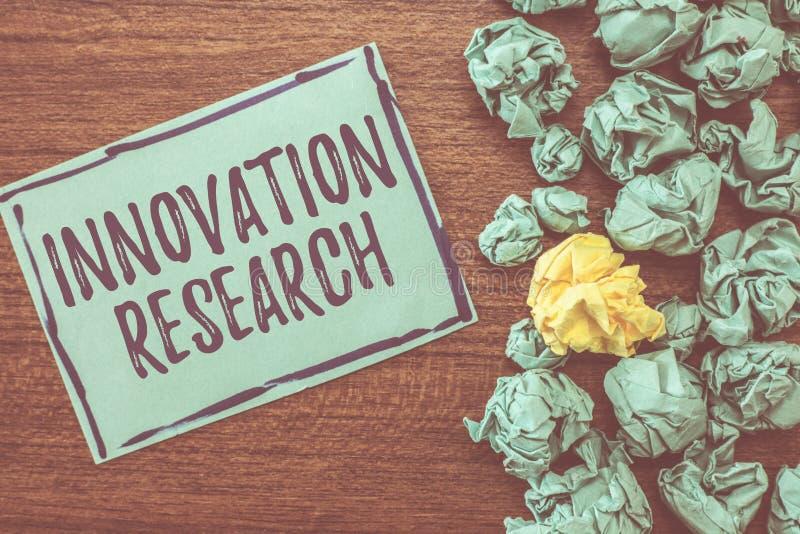 手写文本文字创新研究 意味现有的产品服务的概念进入新是 库存图片