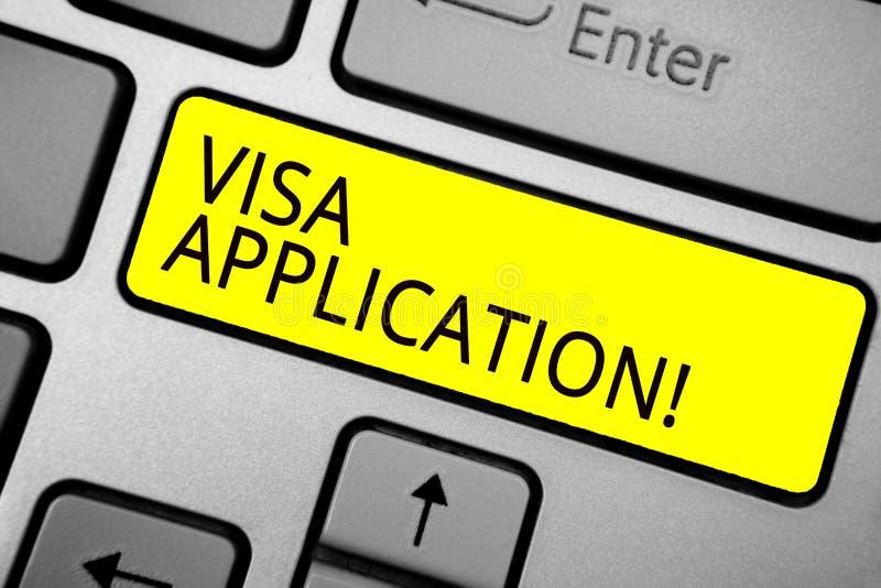 手写文本文字签证申请 概念要求允许旅行或生活的意思形式在岸上另一个的国家 库存照片