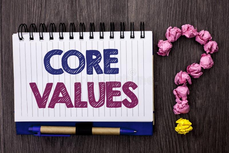 手写文本核心价值 在笔记本写的概念意思原则概念概念性责任代码组分预定 免版税图库摄影