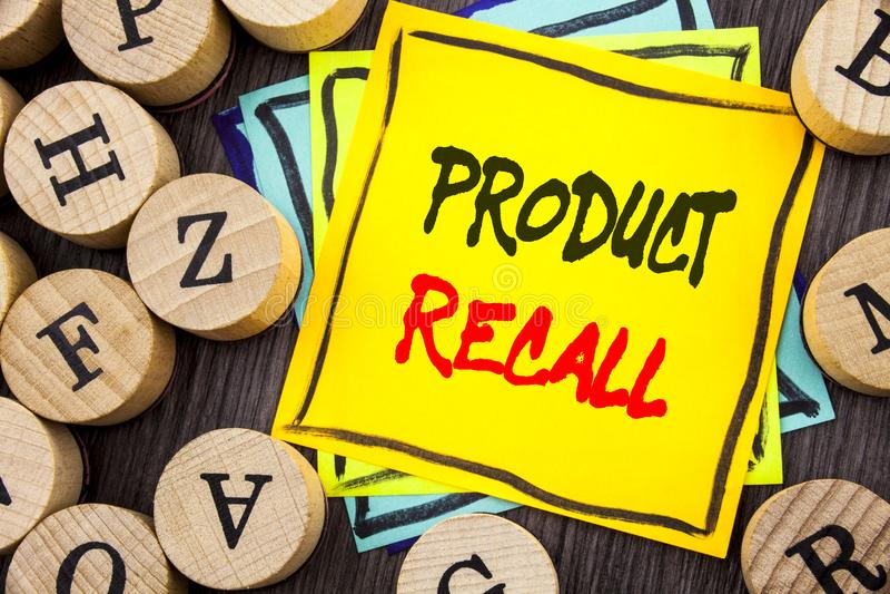 手写显示产品取消的公告文本 书面的产品缺陷的企业照片陈列的回忆退款回归 免版税库存照片