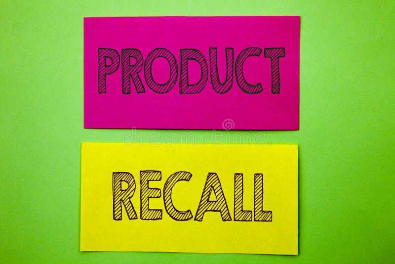 手写显示产品取消的公告文本 在稠粘写的产品缺陷的概念性照片回忆退款回归 图库摄影
