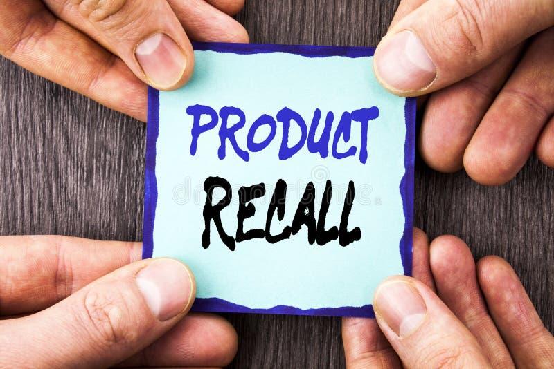 手写显示产品取消的公告文本 在稠粘写的产品缺陷的概念性照片回忆退款回归 免版税库存照片