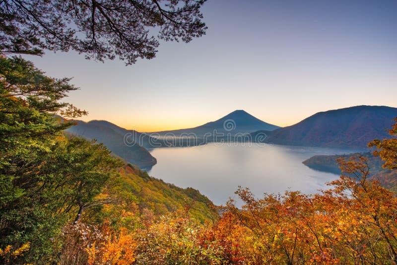手动 富士,日本元津湖 免版税图库摄影