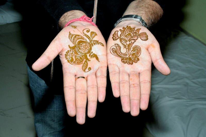 手印度传统的普遍的马哈迪设计 免版税库存照片