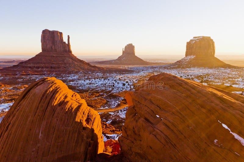 手套和梅里克小山,纪念碑谷国立公园,Ut 免版税库存照片