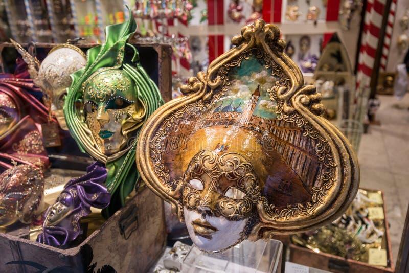 手工制造原始的威尼斯式狂欢节面具 免版税库存照片