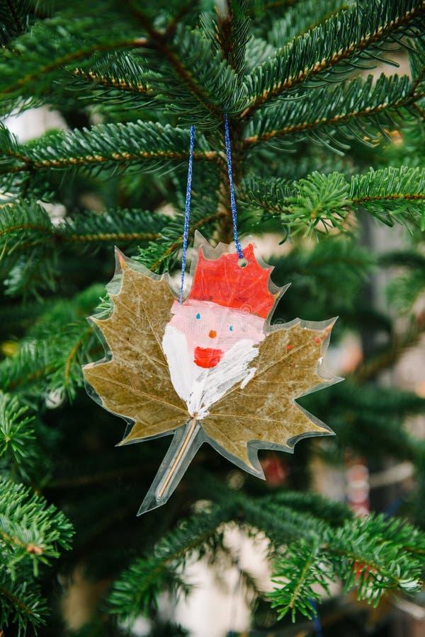 手工制造圣诞节圣诞老人画象 免版税图库摄影