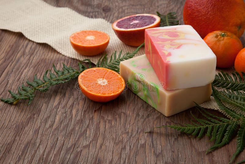 手工制造有机肥皂 库存图片