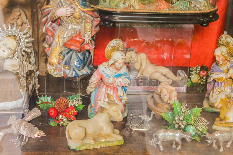 手工制造葡萄酒对象贞女欢乐的雕象 库存图片