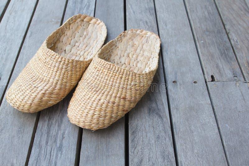 手工制造葡萄酒的拖鞋 免版税库存照片