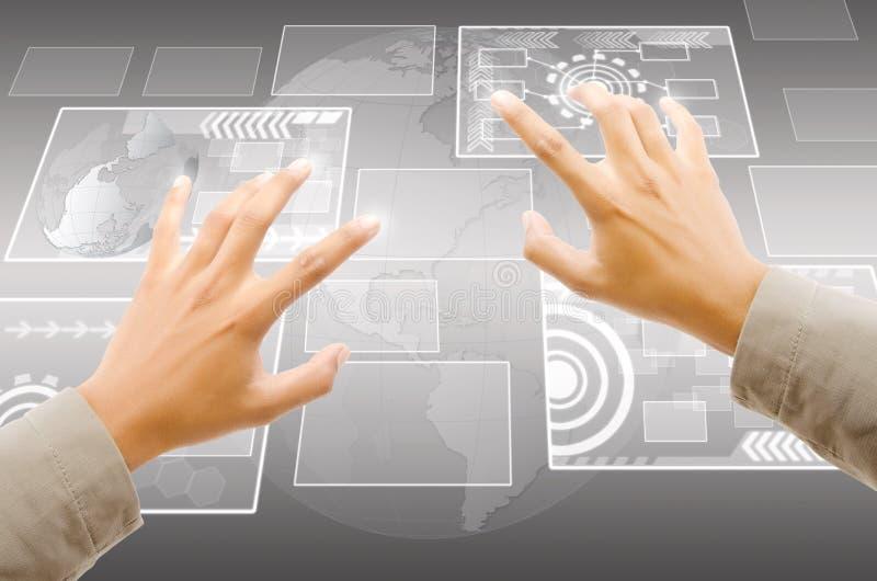 手按在触摸屏interf的数字式按钮 免版税库存照片