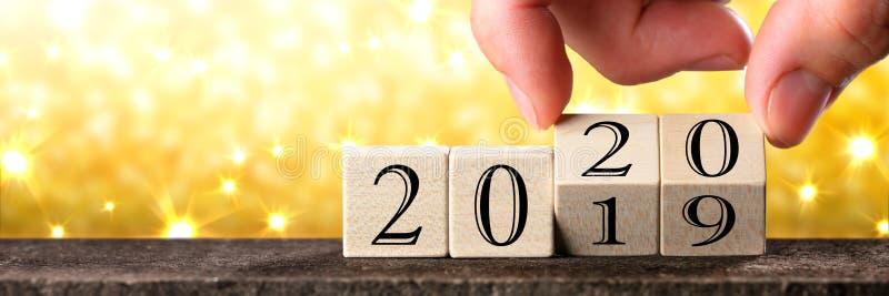 手改变建于2019年到2020年 库存照片