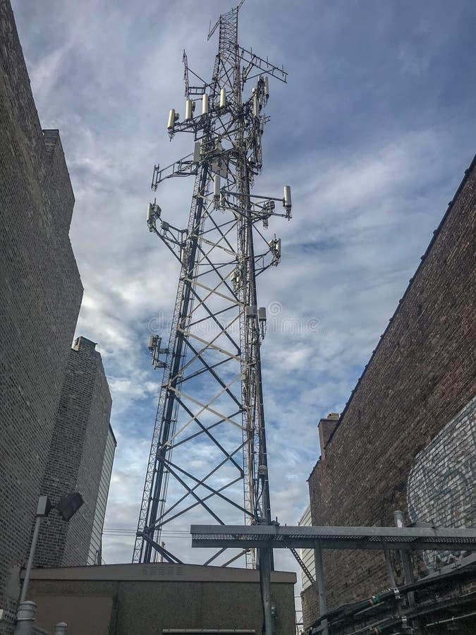 手机天线塔 免版税库存照片
