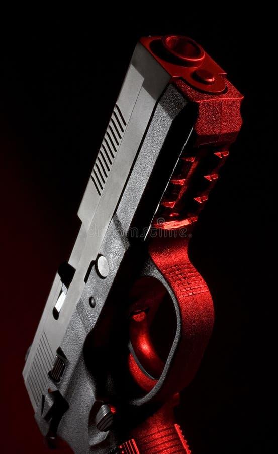 Download 手枪聚合物红色 库存图片. 图片 包括有 投反对票, 枪口, 红色, 手枪, 触发器, 武器, 纬向条花 - 15686611