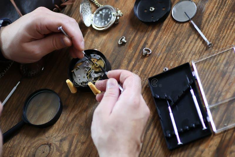 手表时钟修理 图库摄影