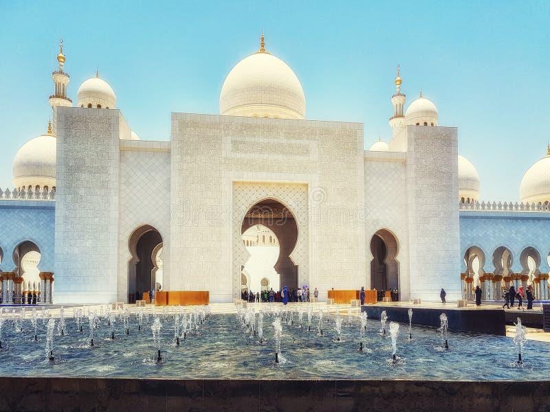 扎耶德・本・苏尔坦・阿勒纳哈扬回教族长清真寺,阿布扎比,团结的阿拉伯人 库存图片