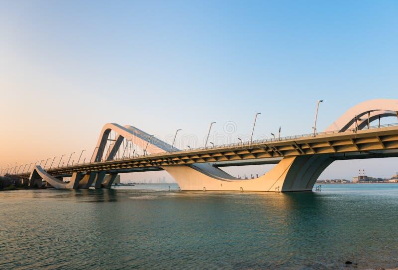扎耶德Bridge,阿布扎比,阿联酋回教族长 免版税库存图片