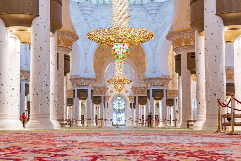 扎耶德Grand Mosque回教族长内部在阿布扎比 图库摄影