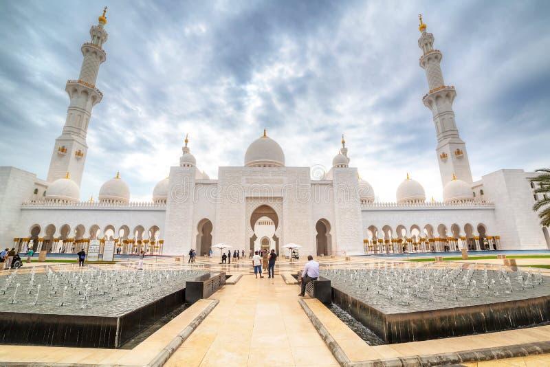 扎耶德Grand Mosque回教族长在阿布扎比,阿拉伯联合酋长国 库存照片