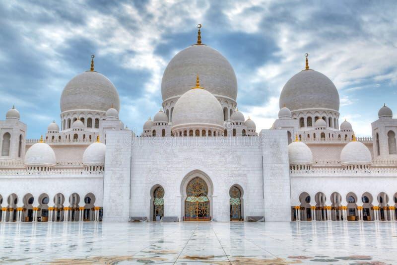 扎耶德Grand Mosque回教族长在阿布扎比,阿拉伯联合酋长国 图库摄影
