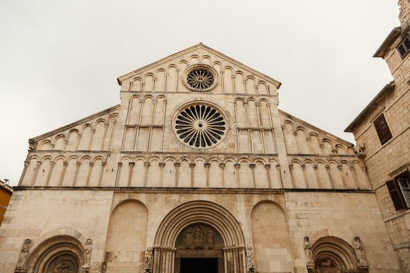 扎达尔Calle larga达尔马提亚大教堂  免版税库存图片