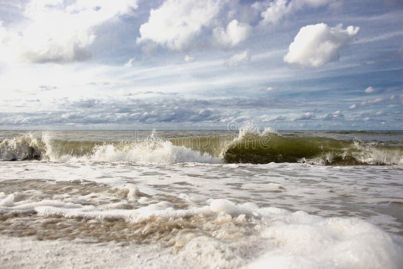打反对shore4的海波浪 库存图片