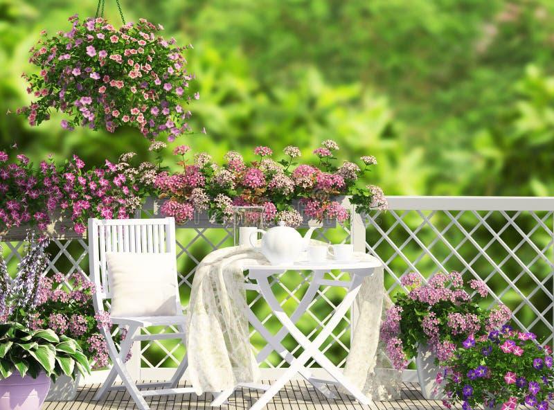 打开与白色家具的大阳台 免版税库存图片