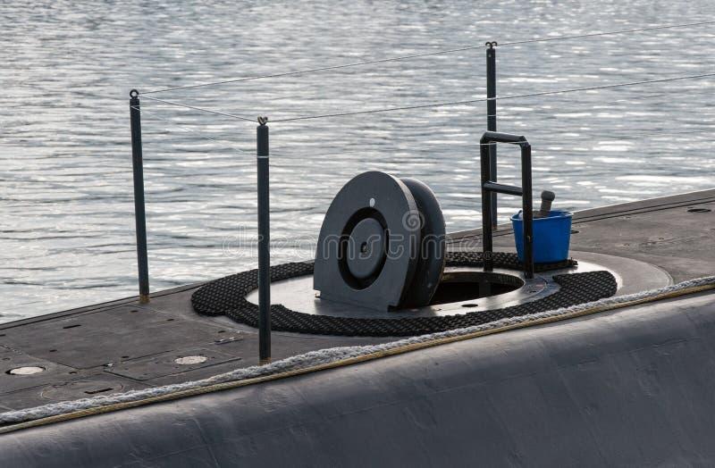 打开在潜水艇的舱口盖 库存照片