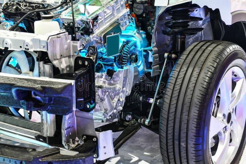 打开块强有力的汽车杂种引擎 免版税库存图片