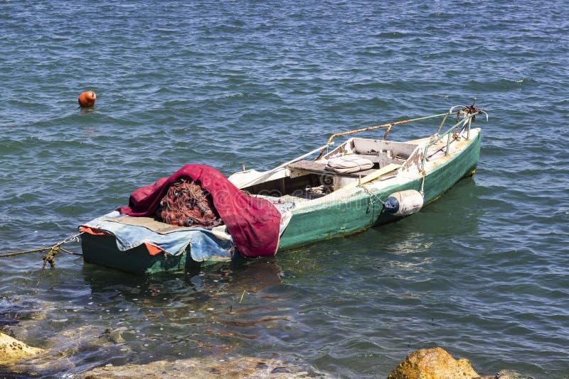 打开透视被射击渔船在公海 免版税图库摄影