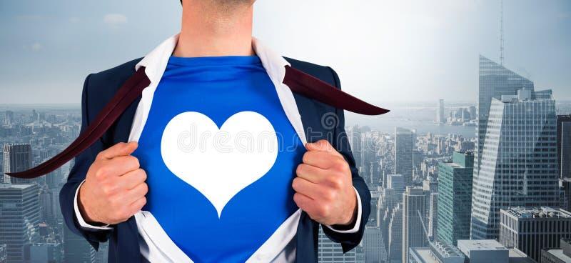 打开他的衬衣超级英雄样式的商人的综合图象 免版税库存图片