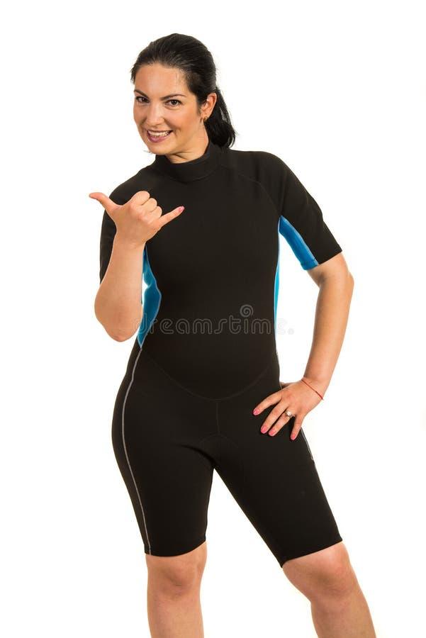 打手势冲浪者妇女 免版税库存照片