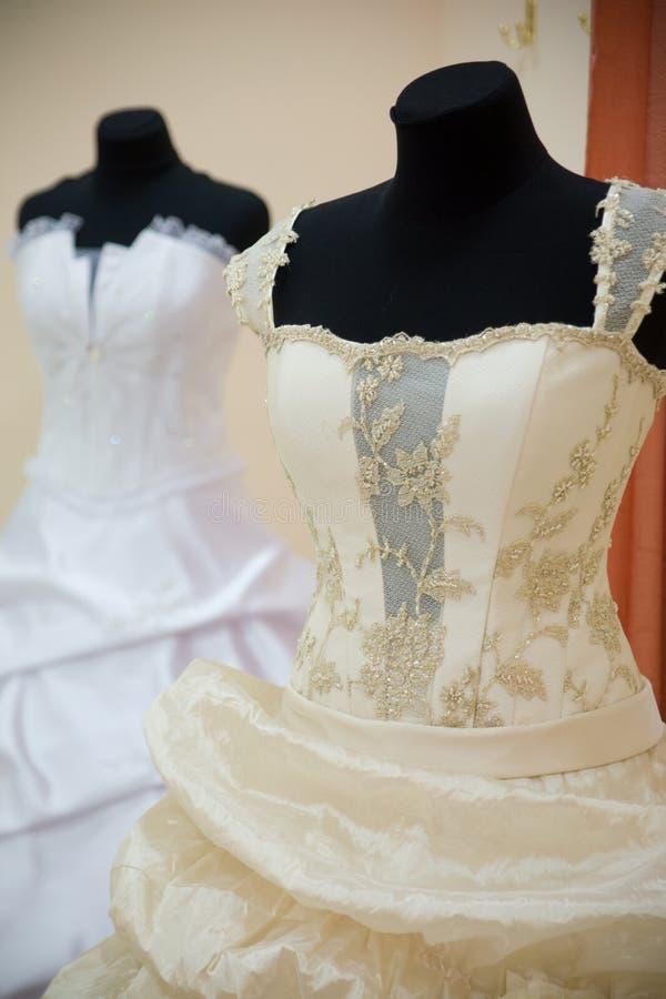 打扮婚姻的时装模特 免版税库存图片