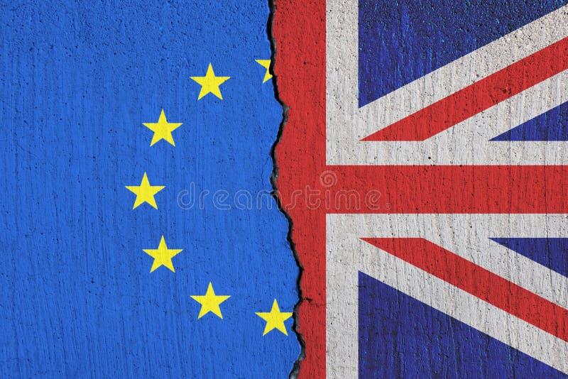 打破除欧盟旗子- Brexit概念外的英国旗子 皇族释放例证