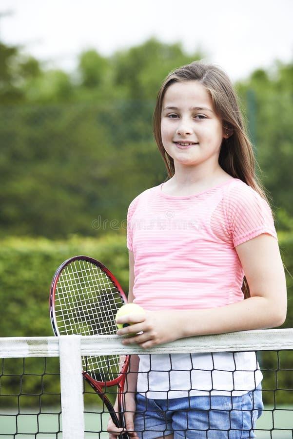 打网球的女孩画象 图库摄影