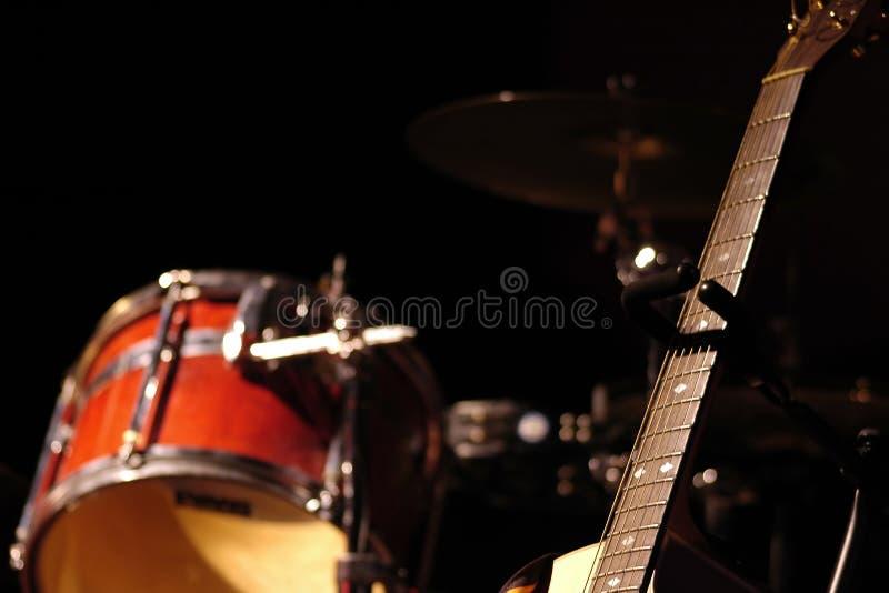 打鼓吉他 图库摄影