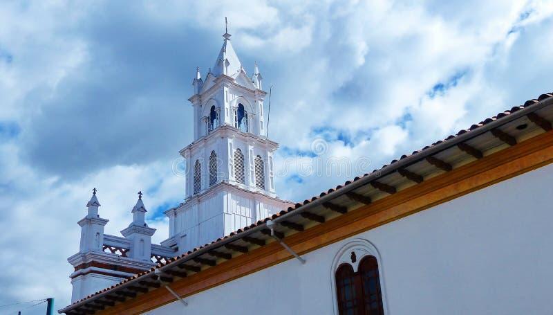 托多斯桑托斯教会在昆卡省,厄瓜多尔的历史中心 库存图片