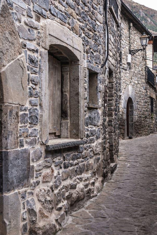 托尔拉中世纪村庄阿拉贡西班牙pyrinees的  免版税图库摄影