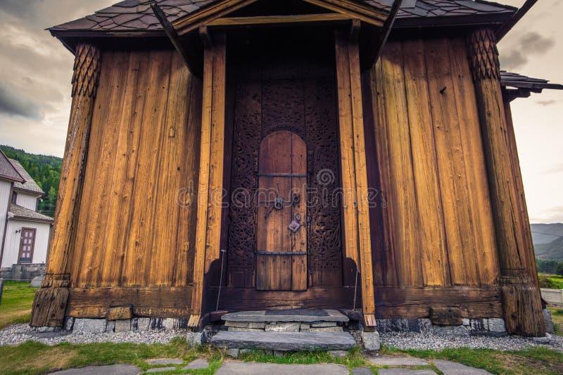 托尔波・斯塔夫教堂- 2018年7月30日:挪威托尔波壁教堂 库存图片