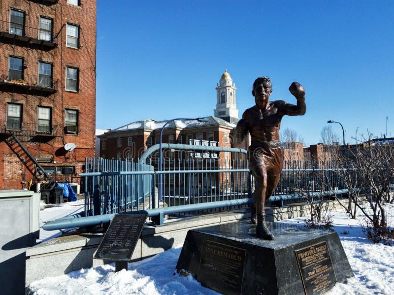 托尼德马科雕象在波士顿在一个冬日 库存图片