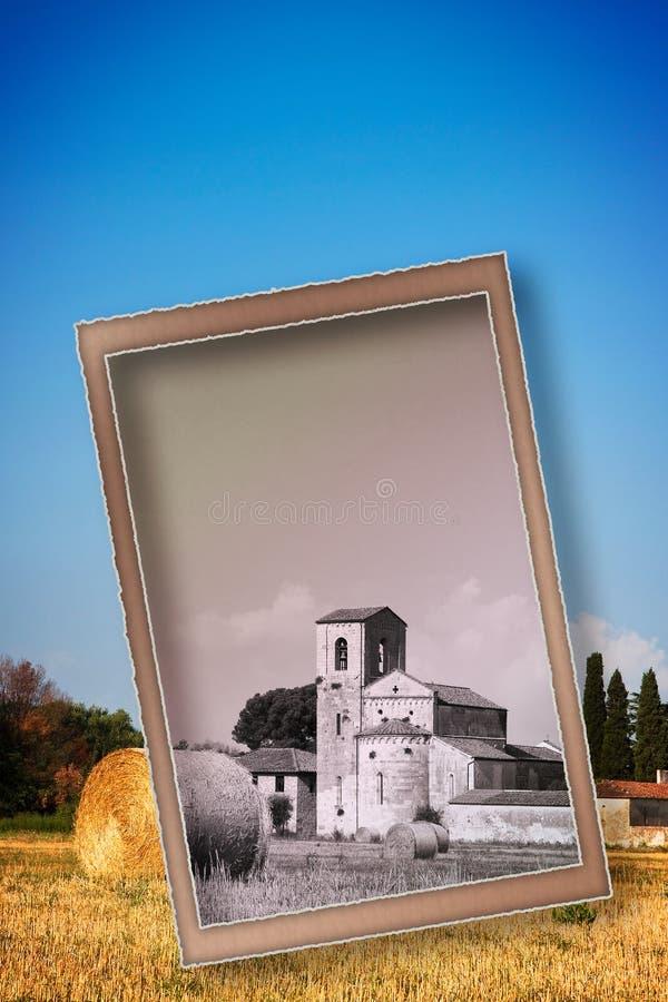 托斯卡纳罗马式教会意大利-概念图象的明信片 免版税库存图片