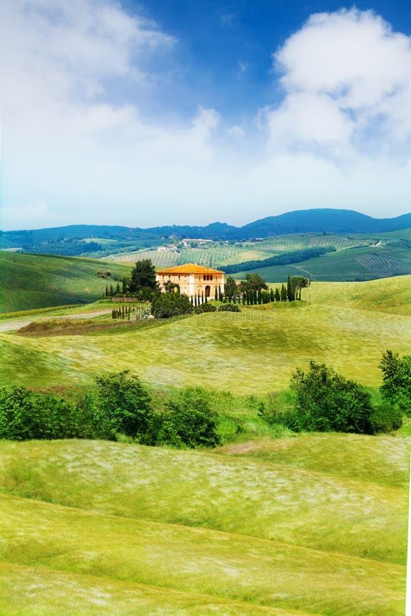 托斯卡纳风景的美丽的房子,意大利 免版税库存图片